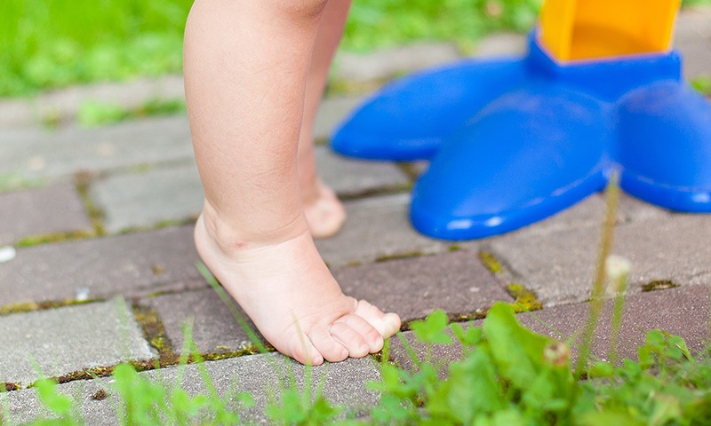 Staigāsim ar basām kājām!