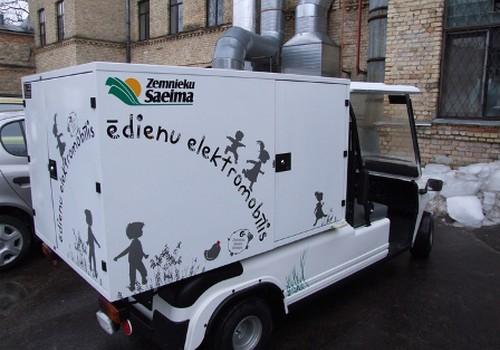 Zemnieku Saeima: jaunais elektromobīlis palīdzēs operatīvāk organizēt darbu Bērnu slimnīcā