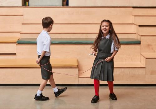 Iesoļojam skolā ar bērniem piemērotiem apaviem!