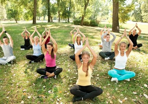 5 iemesli, kāpēc kļūt par jogas skolotāju