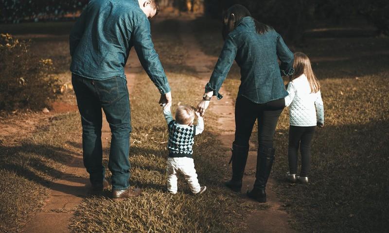 Diānas Zandes lekcija mūsdienu laikmetam: Apzināta bērna audzināšana