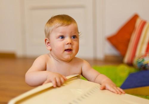 Mazuļu hendlinga nodarbībā pārliecinājos, ka ar mana bērna attīstību viss ir kārtībā!
