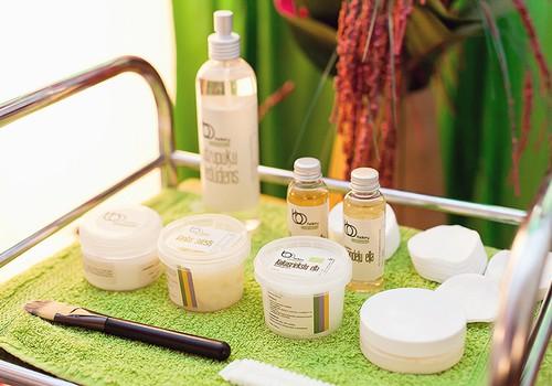 Dermatoloģe: līdzekļus problemātiskai sejas ādai jālieto piesardzīgi