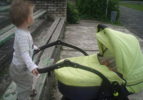 Kamēr mammas sporto, bērni sapazīstas!