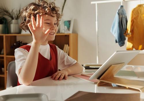 21. un 22. janvārī vebināros pedagogiem un vecākiem skaidros attālinātā mācību procesa norisi 1.-4. klasēs