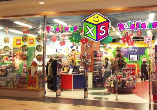 Māmiņdienas kruīzā balvas no XS rotaļlietu veikala