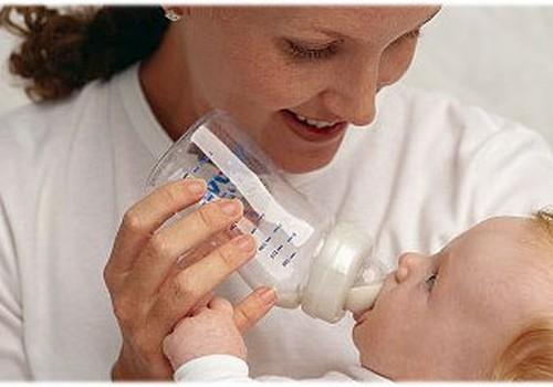 Māmiņu Kluba vecāki, izvēloties piena maisījumu, uzticas ārsta ieteikumam