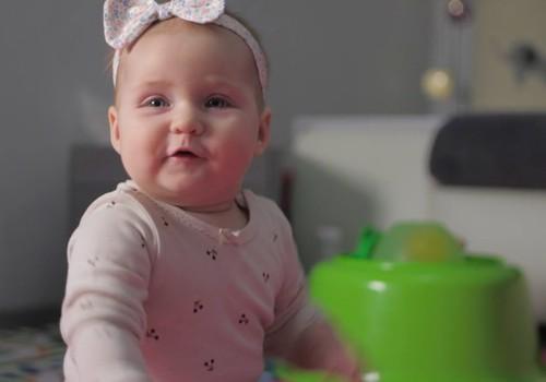 Māmiņu Klubs testē: Kā atvieglot mazulim zobiņu nākšanas laiku