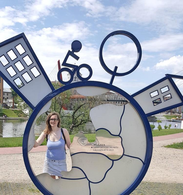 Kopā ar bēbīti izstaigājam pirmo Latvijas jauniešu galvaspilsētu