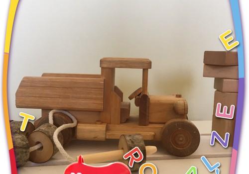 FOTOKONKURSS: Parādi, kādas koka rotaļlietas ir jūsu mājās!