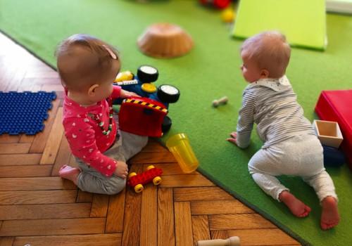 Emijas Pikleres rotaļāšanās metode: 7 pamatprincipi