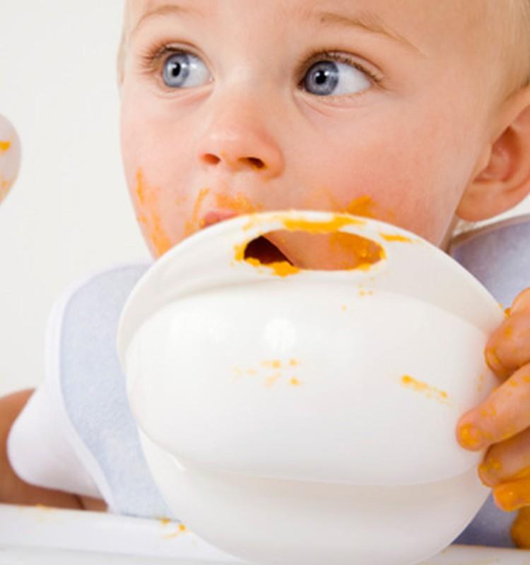 6 iemesli, kāpēc nesteigties ar bēbīša piebarošanu vismaz līdz 4 mēnešu vecumam