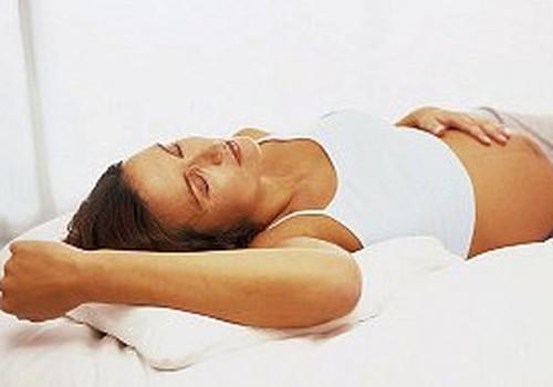 Diskusija: Vai grūtniecības laikā drīkst gulēt uz muguras?