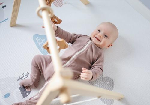 LAIMĒ savam mazulim figūru šķirotāju un ērtās Huggies Pants autiņbiksītes!