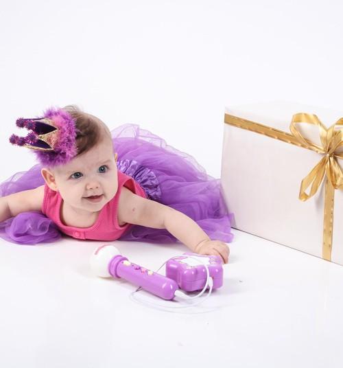 16 vienkāršas dāvanu saiņošanas, dekorēšanas idejas