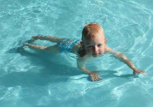Vasaras gids 2014: Laimē savam mazulim Huggies® Little Swimmers®!