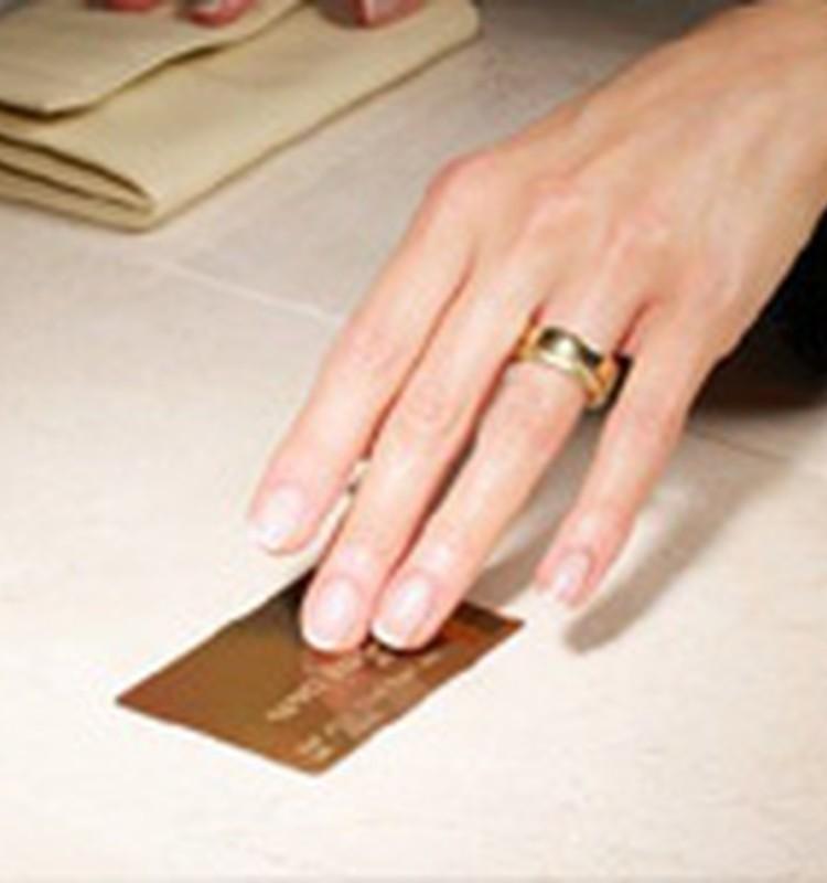 Uzdod jautājumu bankas ekspertiem par kredītkaršu izmantošanu