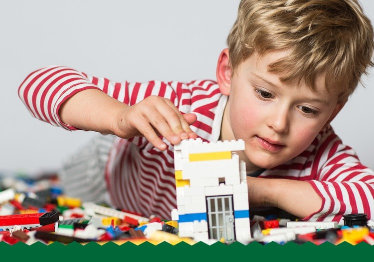 """Psiholoģe: """"Spēlēšanās ar bērniem ir tikpat nozīmīga  kā vārdi """"Es tevi mīlu"""""""""""