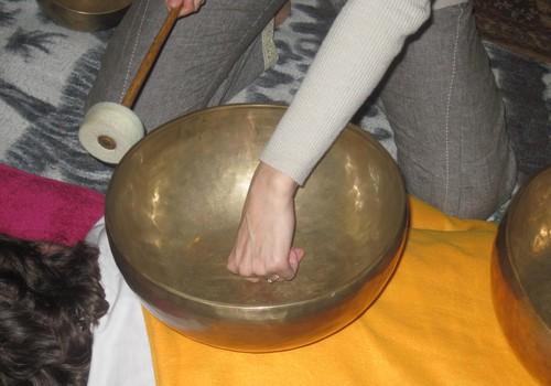 Tibetas dziedošo trauku masāža