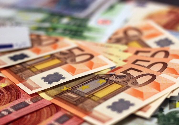 Pie dīkstāves pabalsta piemaksās 50 eiro par katru aprūpē esošu bērnu