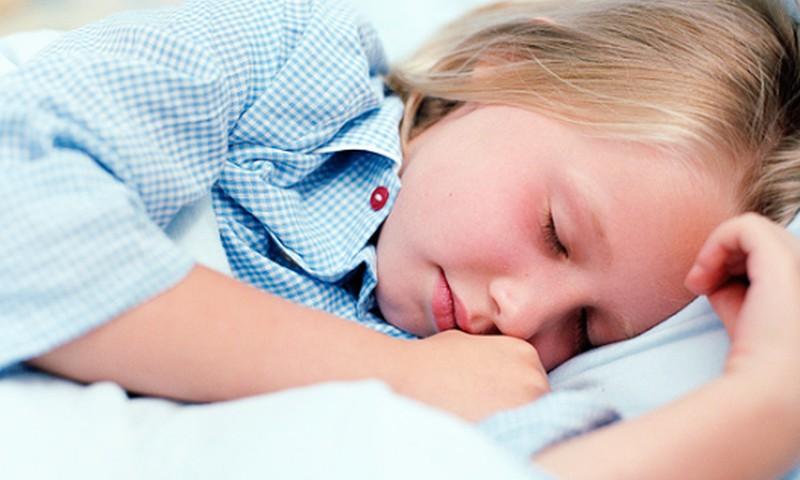 Bērnu nakts enurēze: Plāns, kas sastāv no vairākiem posmiem un nes līdzi veiksmi