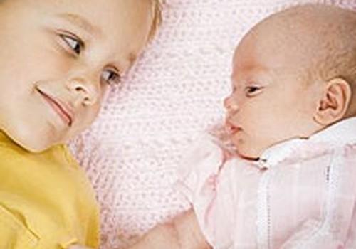 Vai bērnam vajadzētu piedalīties ģimenes dzemdībās?