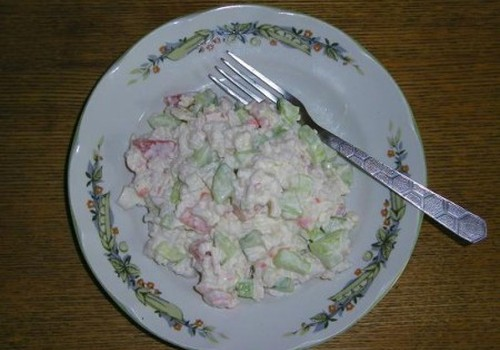 Ātri un lēti krabju salātiņi