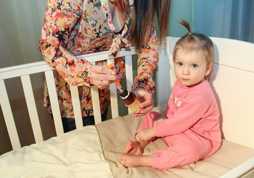 Ko darīt, kad bērns apslimis?