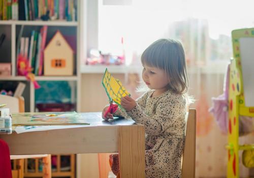Pašvaldībām visos bērnudārzos būs jānodrošina iespēja bērniem mācīties latviešu valodā