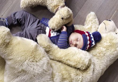Bērns ziemā dodas laukā. Kas jāņem vērā?