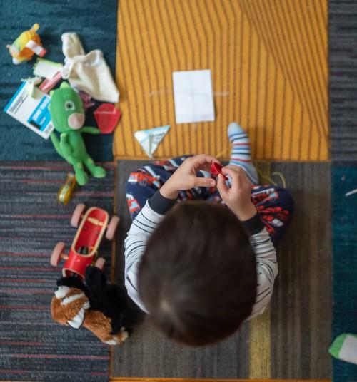 Kā iemācīt bērnam dalīties?