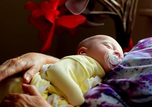 7 vienkārši triki, kas jaunajai mammai palīdzēs sakārtot ikdienu