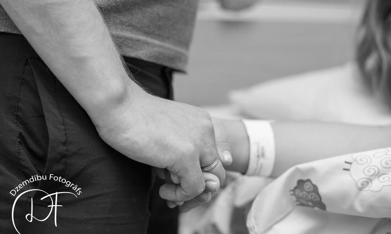 Dzemdību FOTO: fotostāsts, kā pasaulē nāca mazulītis
