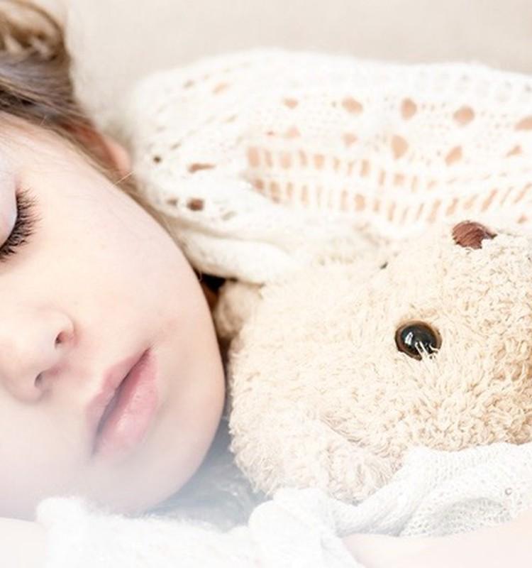 Kā plānot vakaru, lai bērns aizietu gulēt laikus?