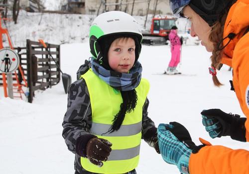 TIKAI Māmiņu Kluba biedriem: 10% atlaide slēpošanas skoliņā!