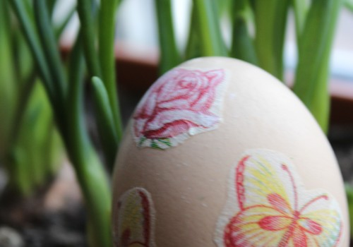 Mājās ar mazo: gaidot Lieldienas/ dekupējam olas