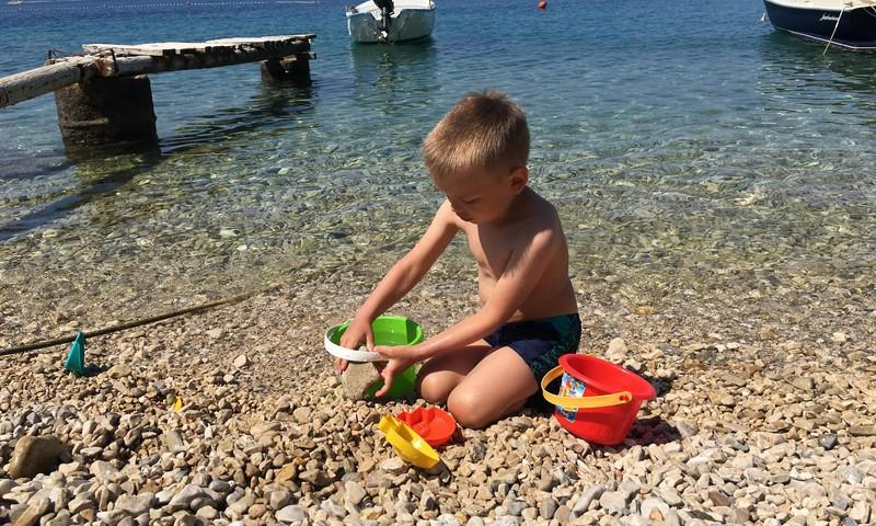 Dodamies uz pludmali atpūsties. Ko ņemt līdzi?