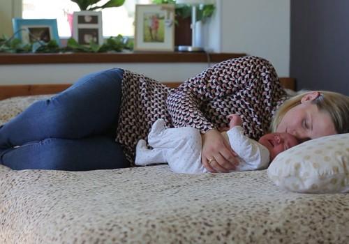 Laimīga mazuļa dienasgrāmata. Jaundzimušā miegs