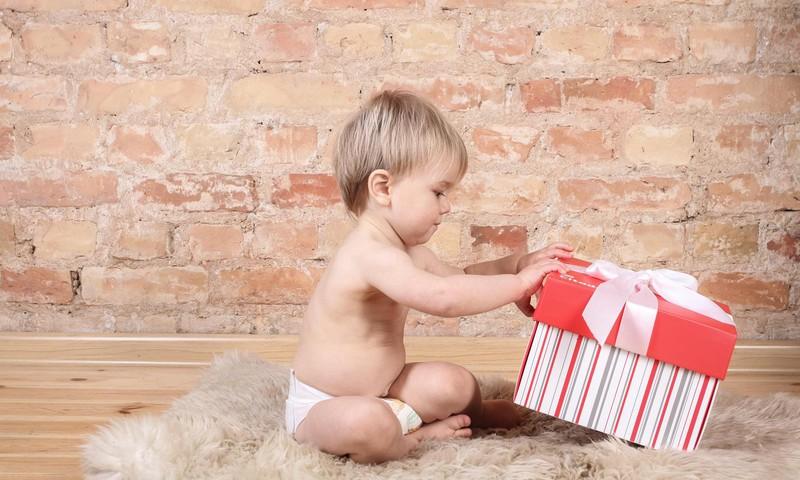 Cik dāvanu, Tavuprāt, jāpasniedz bērnam Ziemassvētkos?