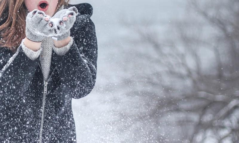 Grūtniecība ziemā. Padomi, kas tev palīdzēs izbaudīt šo laiku arī lielākajā salā