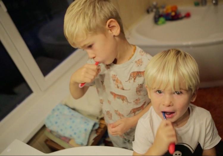 VIDEOpadomi: Kā pareizi kopt bērna zobus?