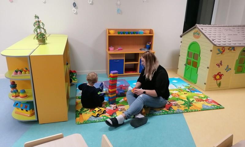 """Siguldā vēl 38 ģimeņu bērni iegūst vietu bērnudārzā; paplašināts bērnudārzs """"Tornīši"""""""