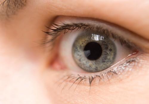 Bērns un viedierīces: kā pasargāt acu veselību?
