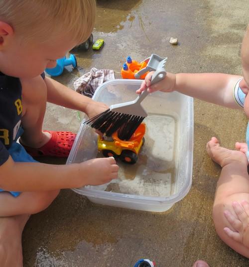 10 vasarīgas idejas radošām aktivitātēm ar bērniem