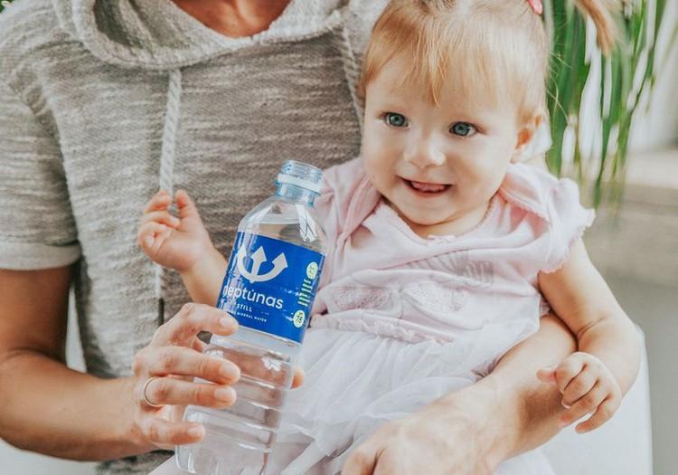 Vai zīdainim nepieciešams papildus ūdens uzturā, barojot ar maisījumu?