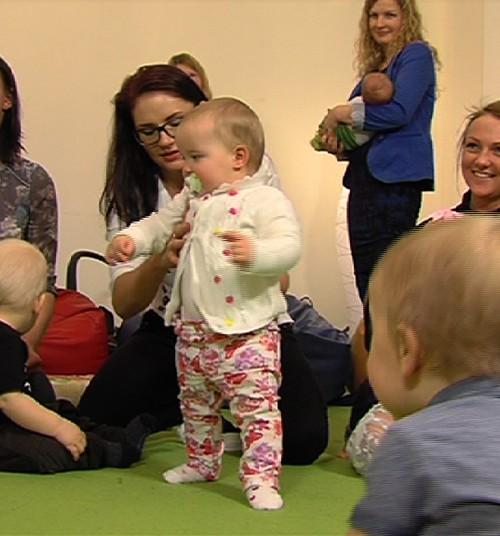 VIDEO no dvīņu ballītes Māmiņu Kluba Vecāku skolā