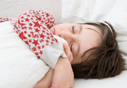 Kāpēc bērnam svarīgi gulēt diendusu?