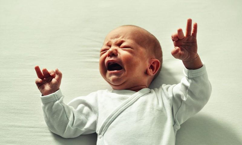 Kāpēc mans bērniņš raud? 9 biežākie raudāšanas iemesli