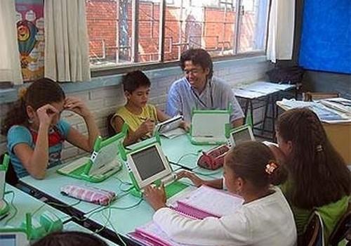 Katram skolēnam pa datoram!