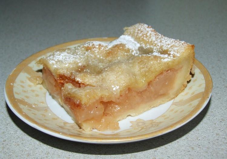 Kartupeļu mīklas ābolu kūka